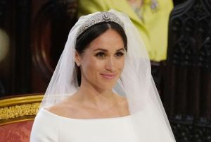meghan-markle-stands-at-the-altar-during-her-wedding-in-st-news-photo-960056444-1540565173