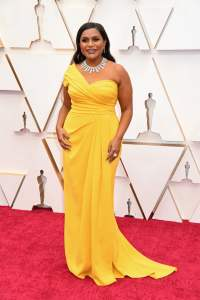 Mindy-Kaling-at-Oscars-2020