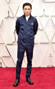 rs_634x1024-200209163728-634-2020-oscars-Awards-red-carpet-fashions-Timothee-Chalamet